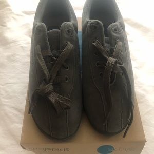 Easy Spirit lace up sneakers